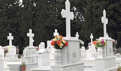 Νεκροθάφτης πήγε να κλέψει εξοχική κατοικία νεκρού που κήδεψε την προηγούμενη ημέρα στη Ρόδο