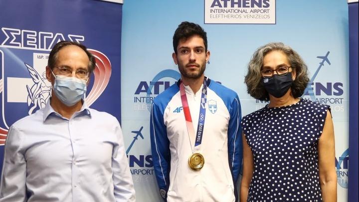 Επέστρεψε στην Αθήνα ο χρυσός Μίλτος Τεντόγλου. «Το χρυσό μετάλλιο χρειάζεται ταλέντο, θυσίες και αφοσίωση»