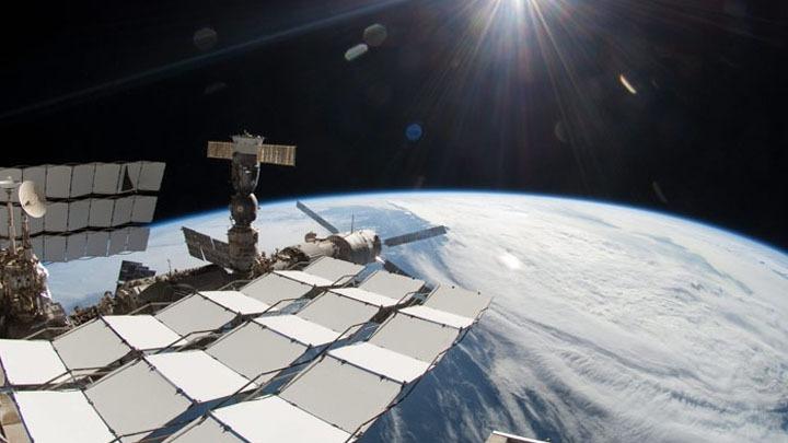 Θρίλερ στο ρωσικό τμήμα του Διεθνούς Διαστημικού Σταθμού. Ανιχνεύθηκαν καπνός και μυρωδιά καμένου πλαστικού