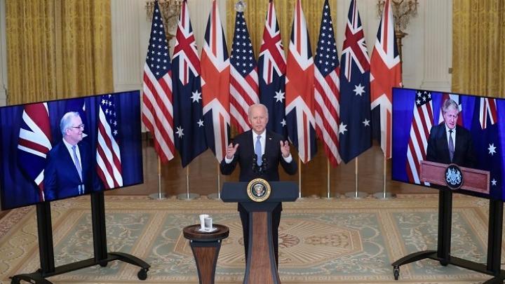 «Ψυχρός πόλεμος» ανάμεσα σε ΗΠΑ και Κίνα. Νέα στρατηγική συμμαχία με Αυστραλία και Ηνωμένο Βασιλείο ανακοίνωσε ο Μπάιντεν