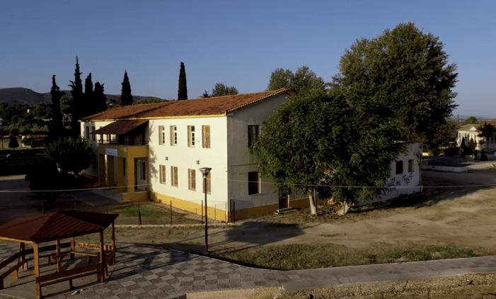 Αποχαιρετιστήριο κονσέρτο μέσα από το ιστορικό κελί του Μίκη Θεοδωράκη. Μνήμες από το εφιαλτικό εξάμηνο στον Ωρωπό