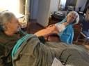 Μίκης Θεοδωράκης. Η συγκινητική τελευταία φωτογραφία με τη γυναίκα του, Μυρτώ