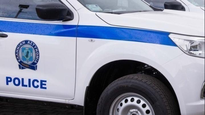 Έκαψαν το ΙΧ του αστυνομικού που κρατούσε αιχμάλωτη και εξέδιδε την 19χρονη στην Ηλιούπολη- Τι λένε οι κάτοικοι της περιοχής