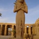 templul de la karnak ,statuia lui ramses al II-lea