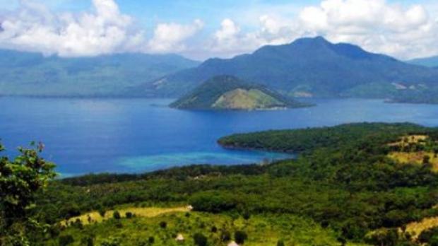 marea molucelor si insulele mirodeniilor