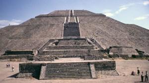 piramida soarelui de la tiahuanaco