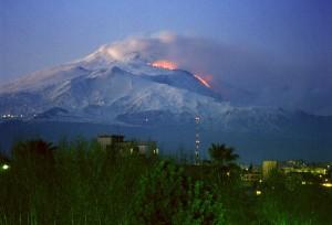 cel mai enigmatic vulcan din lume - Etna
