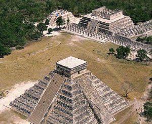 Piramidele maya