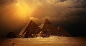 cum au fost construite piramidele. teorii si controverse