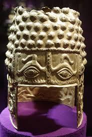 legenda tezaurului de la peretu si fratia regilor traci.jpg-coiful de la cotofenesti