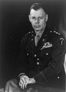 Directorul CIA, generalul Walter Bedell Smith