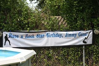 Birthday Banner :: Review