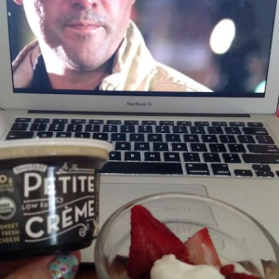 "Petite Crème & Coach Taylor – an Afternoon ""Mom"" Break"