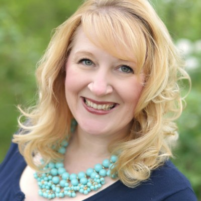 "Introducing Keynote Speaker – Jennifer Evers: ""Fab"" Fridays for #SoFabUOTR"