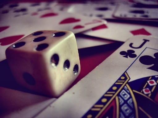 オンラインカジノは賭博法にはあたらない