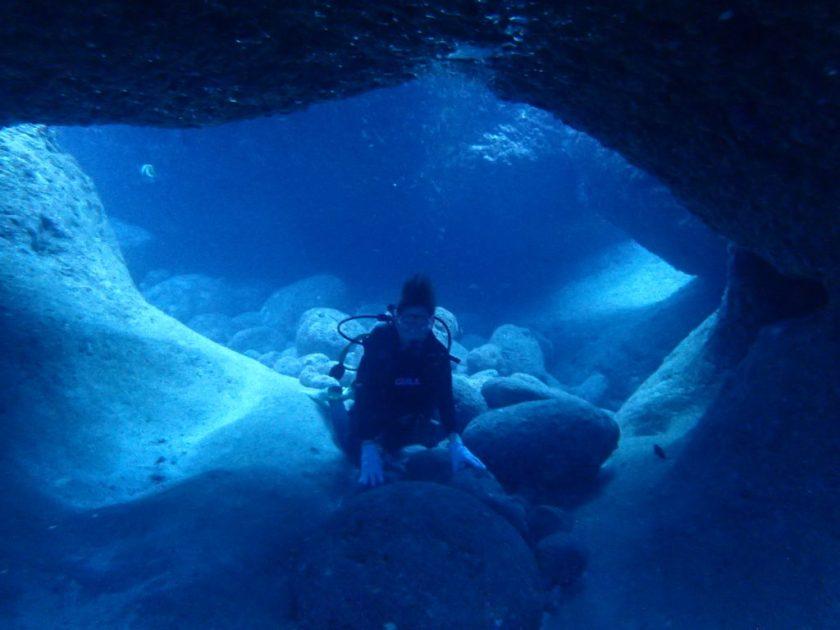宮古島で体験ダイビング・崖下