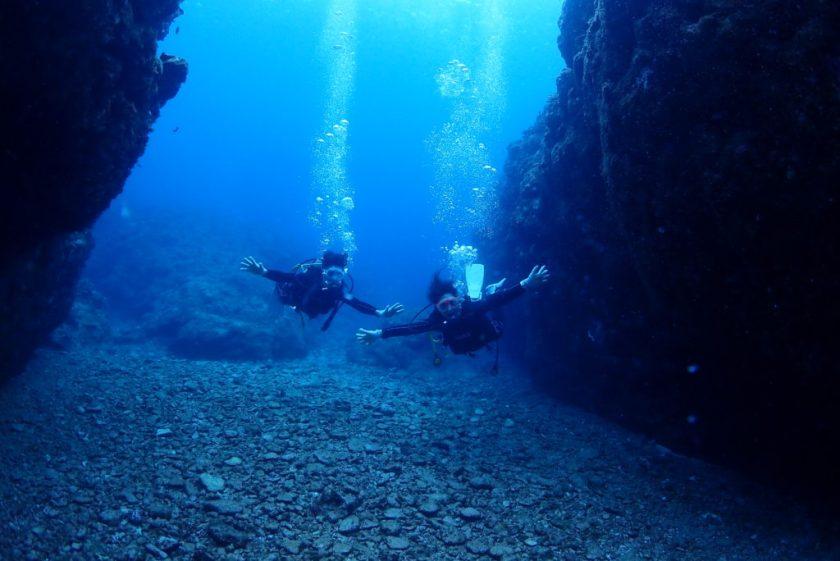 伊良部島・クロスホールで体験ダイビング