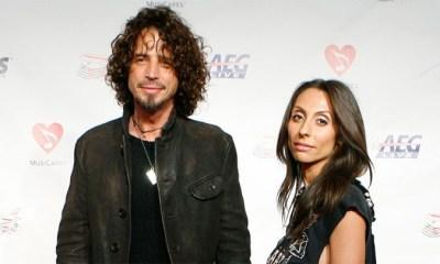 Chris Cornell y su esposa arriban al evento Persona del año MusiCares, realizada en honor al compositor Neil Diamond. Los Angeles, 6 de febrero de 2009. / Danny Moloshok / Reuters