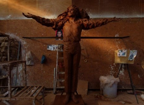 Chinese MJ Statue Prep 3