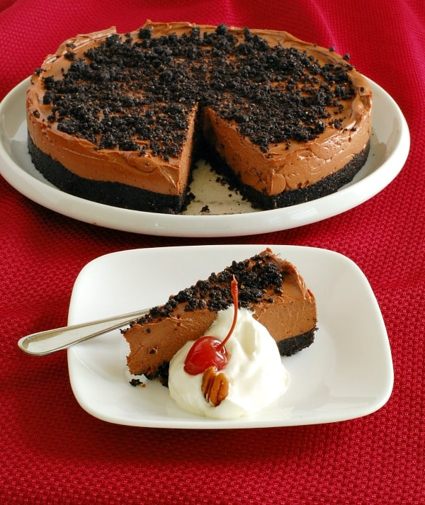 Rich and Easy No-Bake Chocolate Cheesecake