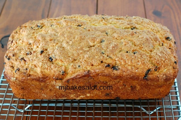 The fully baked Irish soda bread should be set on a rack to cool completely before being sliced. | mjbakesalot.com