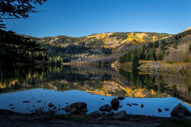 Contract Lake Fall Morning