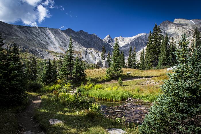 Lake Isabelle Mountains