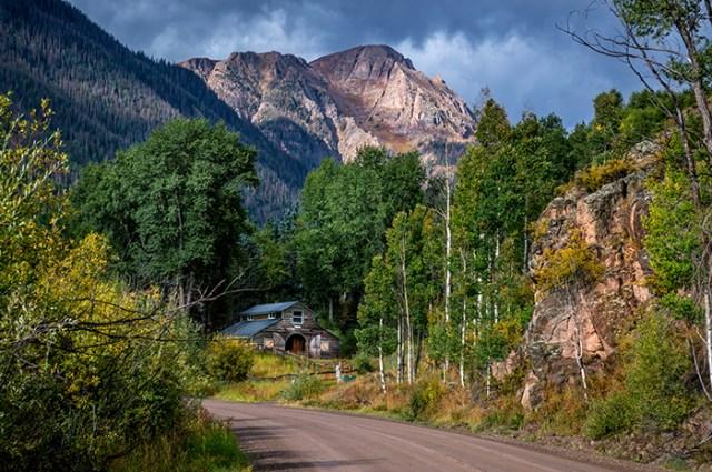 Road Towards Cinnamon Pass