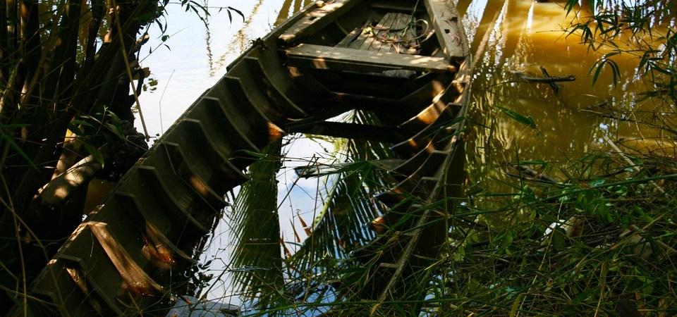 Broken River boat