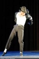 Le performer Aleston Jackson