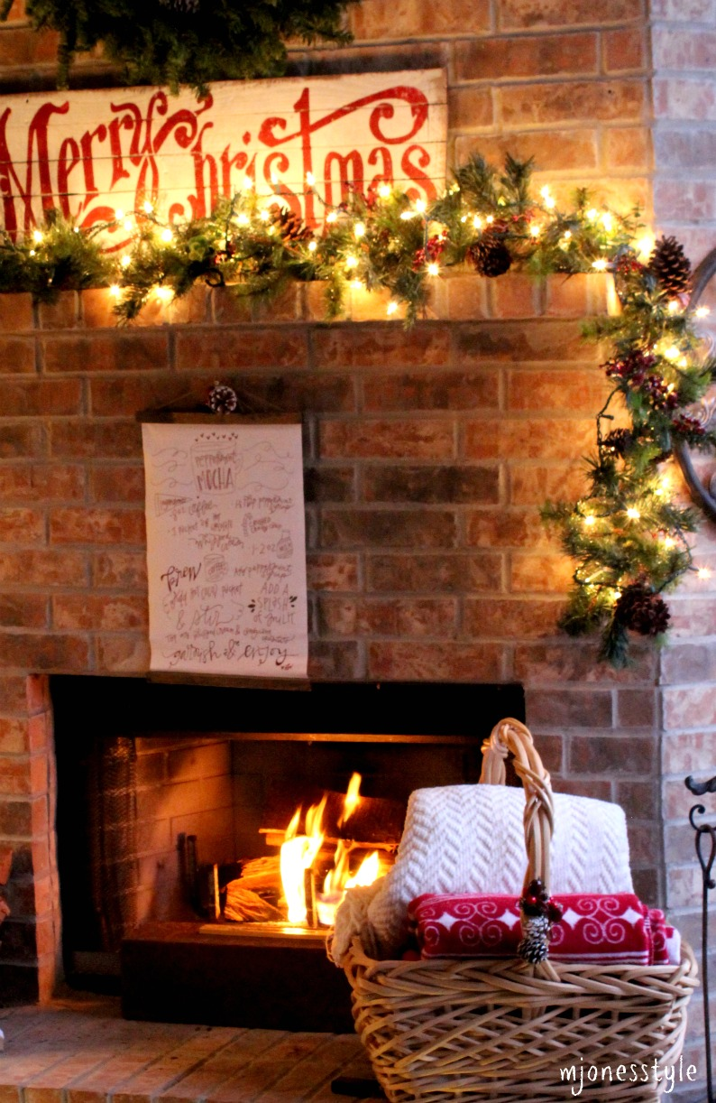 #christmasfireplacemantle
