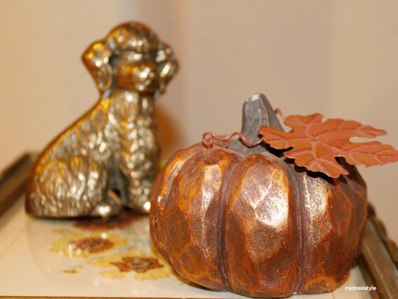 #bronzepumpkin #brassdogscuplture