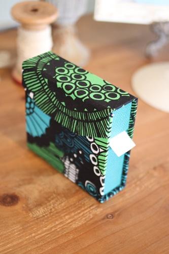 マリメッコの水貼りテープケース