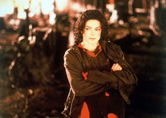 Earth-Song-michael-jackson-11204628-1000-7101