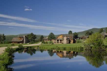 Horizontal-Ranch-with-Pond-in-Front-12