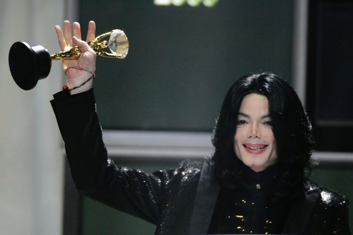 Michael+Jackson+World+Music+Awards+2006+Show+7OknXCz1QeKx