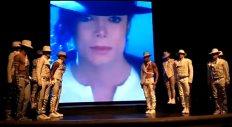 Michael-Jackson-One-Cirque-du-Soleil-projected-face-of-michael