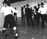 king-of-Dance-michael-jackson-11078691-745-622
