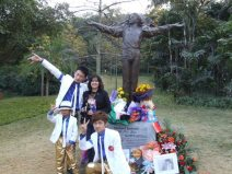 mj_china_statue_08_c.Kerry_Hennigan_2011