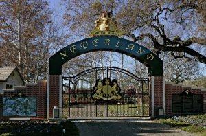 neverland-ranch-gate-1