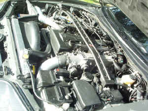 11_26_enginebay[1].jpg (107853 bytes)