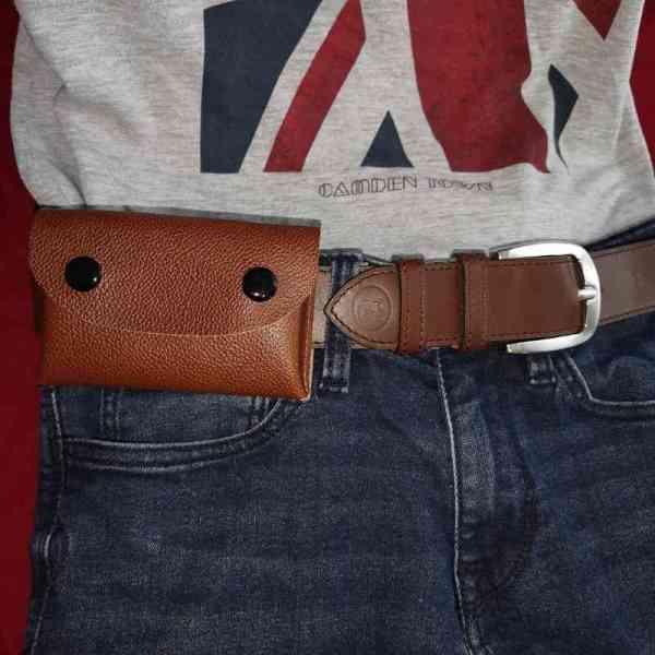 Porte-cartes en cuir marron portable à la ceinture