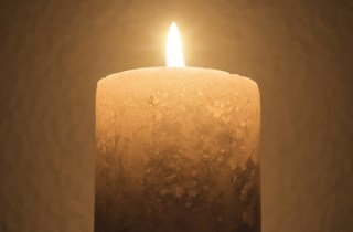 Candle_dreamstime_xs_54517324