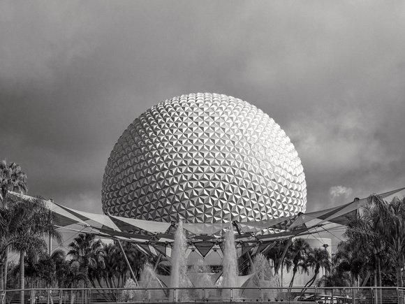 MLCreations Photography: Epcot &emdash; Light & Shadow