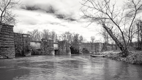 MLCreations Photography: Blog Post Related &emdash; Limestone Creek Aqueduct