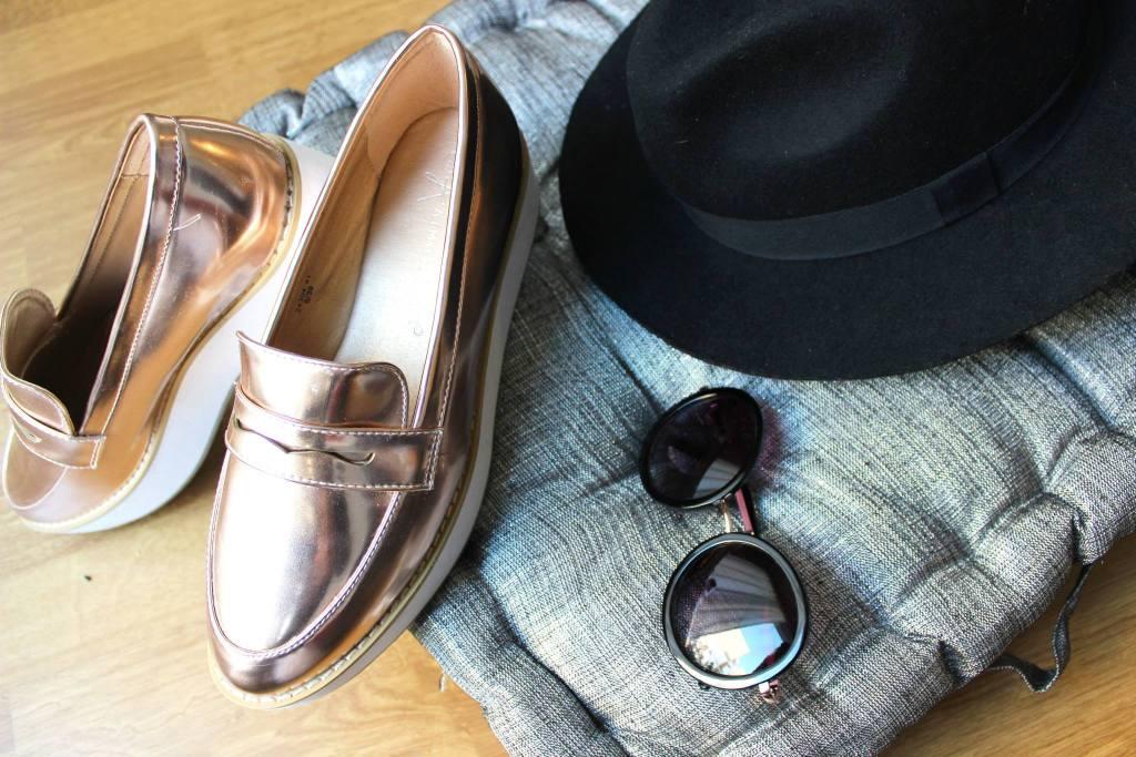 mocassins compensé chapeau moir