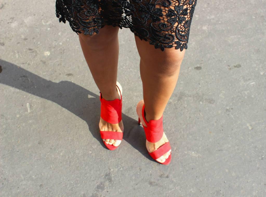 Sandales à talons rouges ZARA