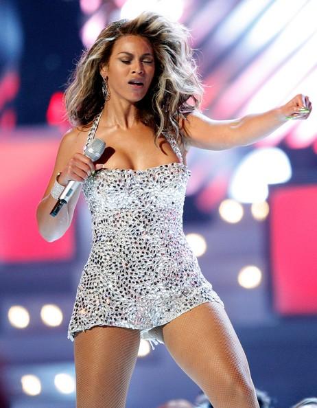 Show des 50 ans des Grammy Awards, hommage à Tina Turner