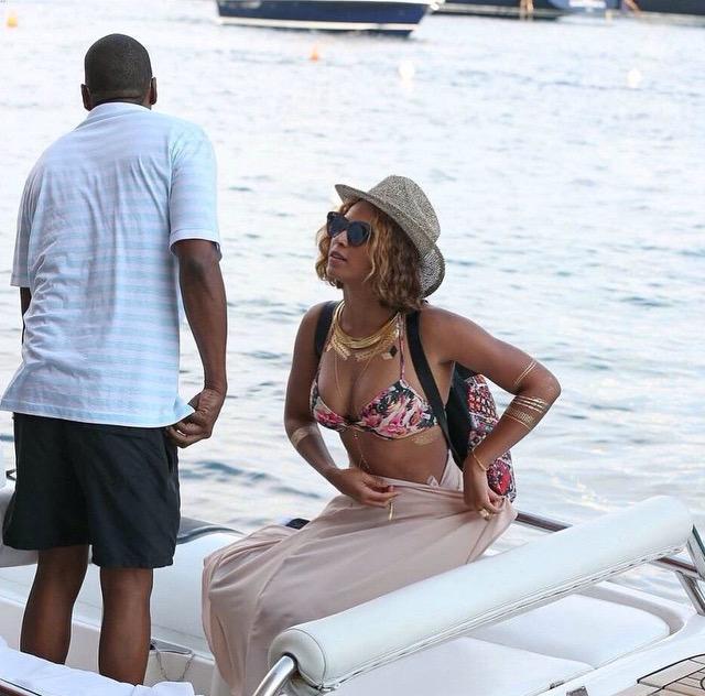 Beyonce tatouage métallisé