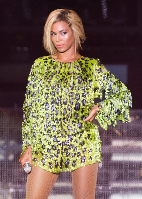 "Robe Emilio Pucci, ""why don't you love me"" sur le Mrs Carter Show"